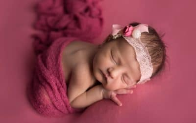 Why Are Newborn Photography Sessions Best Under Two Weeks Old?