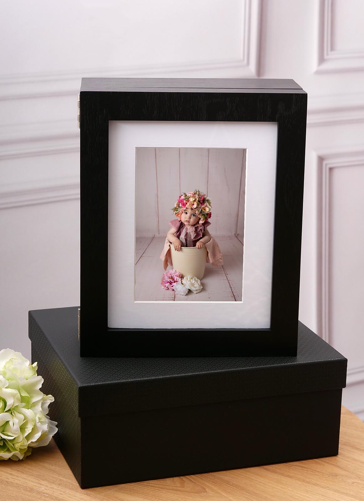 folio box black frame portrait